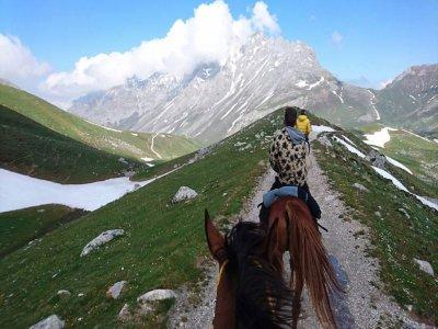 Passeggiata a cavallo lungo le rive del Sella 3 ore