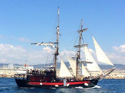 Ruta en barco pirata litoral de Barcelona 1h 15min