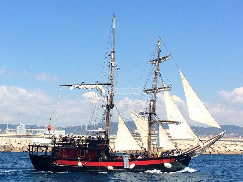 Montar en barco pirata
