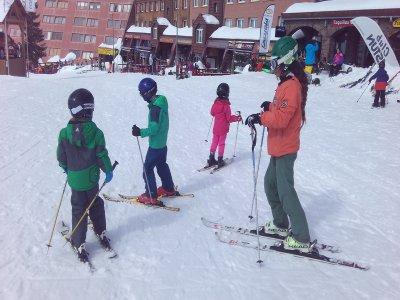 Curso esquí niños Astún forfait 4 días y material