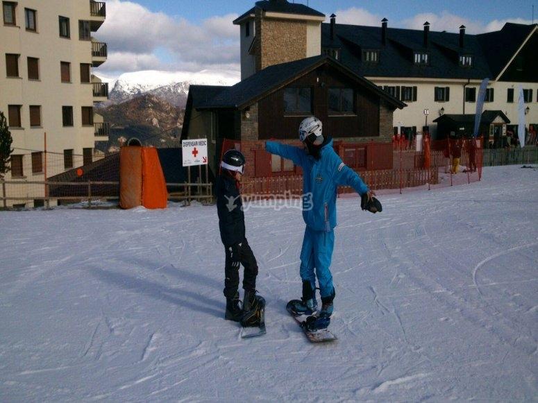 Clase particular de snowboard en Port del Comte