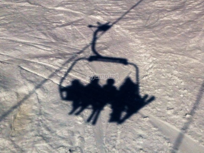 sombra en la nieve
