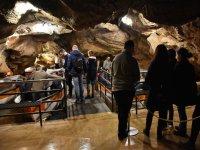 Embarcadero en la cueva