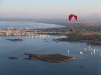 Disfrutando de Mallorca en un vuelo en paramotor