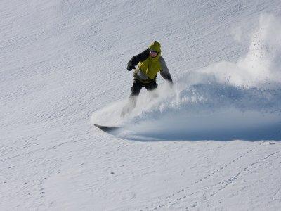 Clase de snowboard en grupo Espot 4h