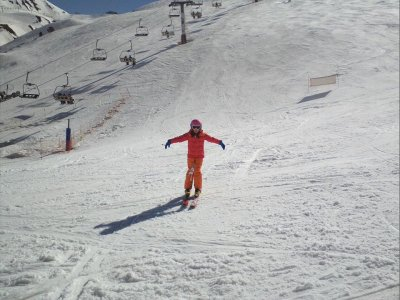 1h Skiing Group Lessons for Children in Astun