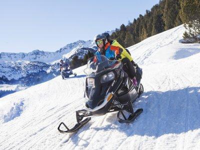在Soldeu的雪地摩托车游览30分钟