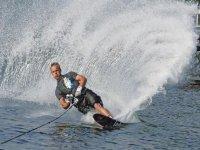 Water skiing, pioneer