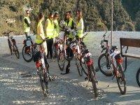 带电动自行车的格拉纳达带向导路线