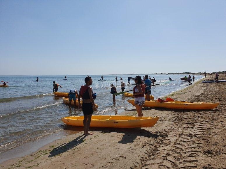 Excursión en kayak para familias