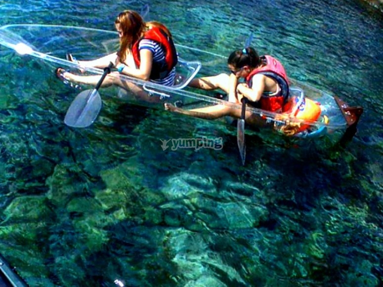 Navegando en kayak transparent