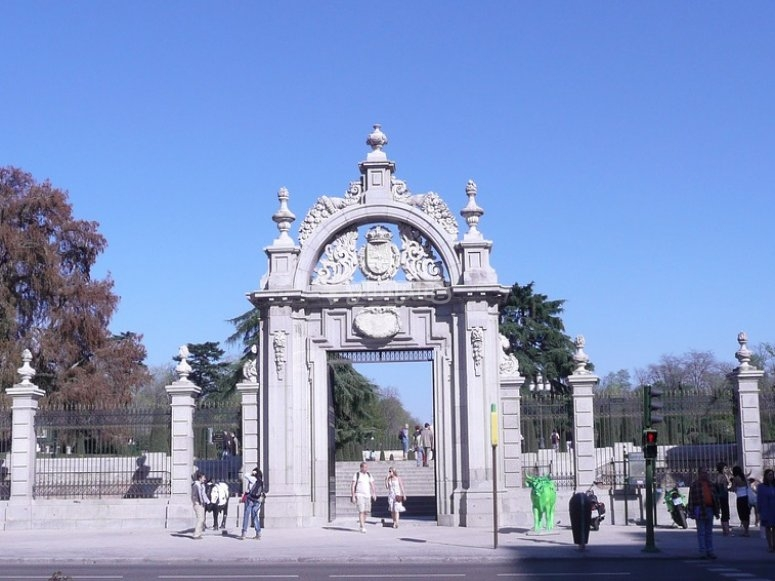 Entrance to El Retiro.