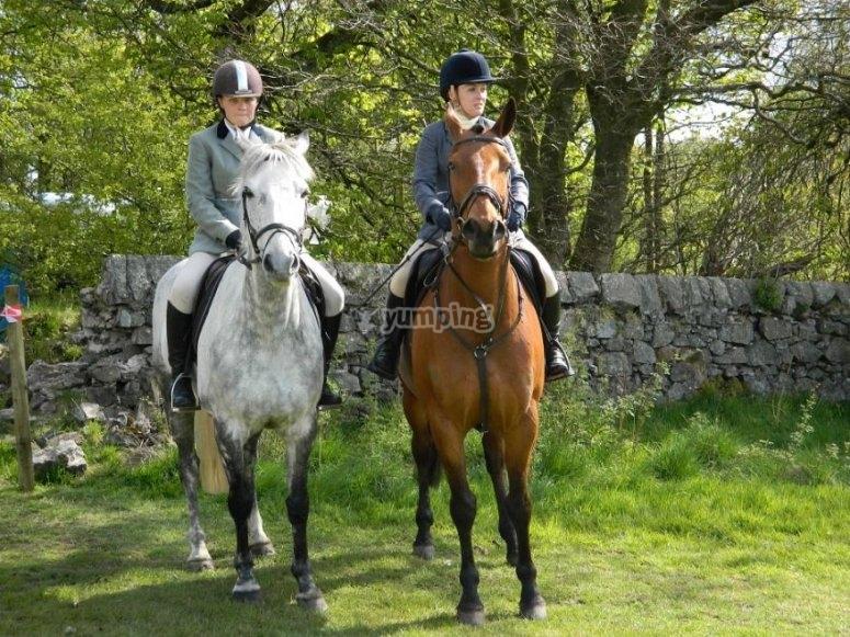 Mujeres a caballo