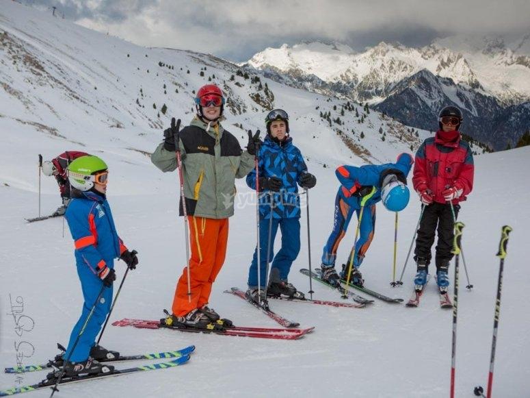 Clase de esquí para grupos reducidos