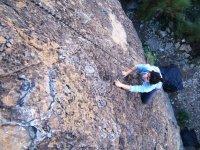 在开始登山攀岩