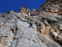 Raggiungendo la cima del monte