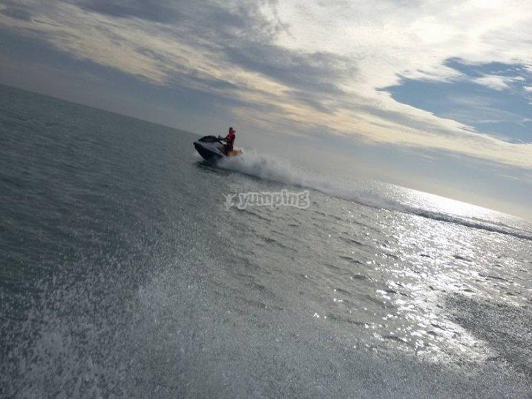Recorrido en moto de agua