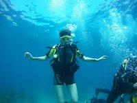 Operatore subacqueo galleggiante