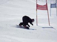 尝试滑雪板