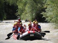 在赫尼爾河上下坡漂流,拍摄时间为4小时
