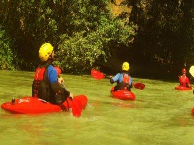 乘独木舟4小时沿着Genil河下山