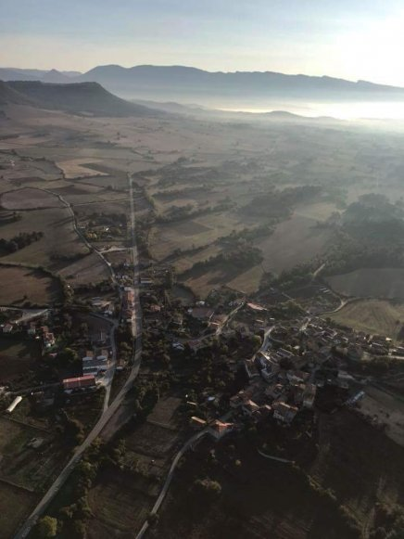 res_o-38649-paseo-en-globo_de_pedro-manuel-manzano-fuentes_1506340238860.jpg