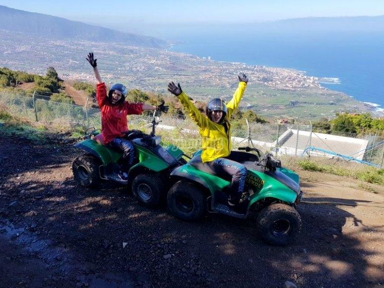 Montando en quad en Tenerife