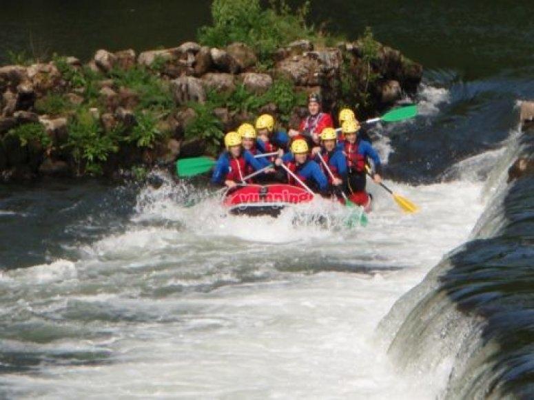 Siguiendo el curso del rio