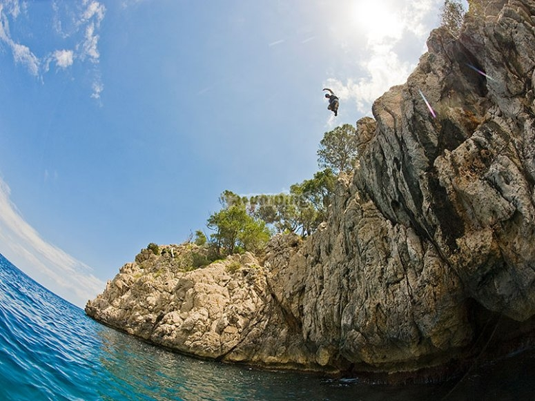 """Coasteering en Mallorca media jornada"""