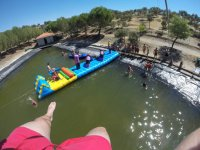 Hinchables en la piscina Las Nogueras Campamentos