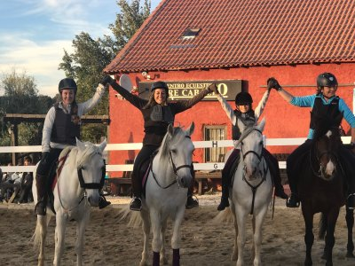 Bono de 10 clases de equitación en Segovia