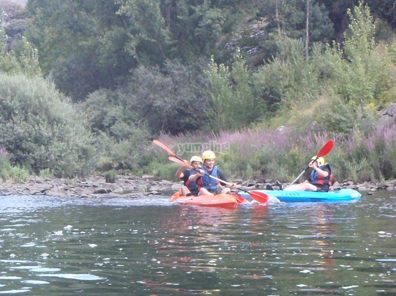 Disfrutando de los kayaks