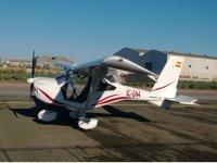 Aeronave en la pista de aterrizaje