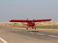 L'aereo decolla a Totana