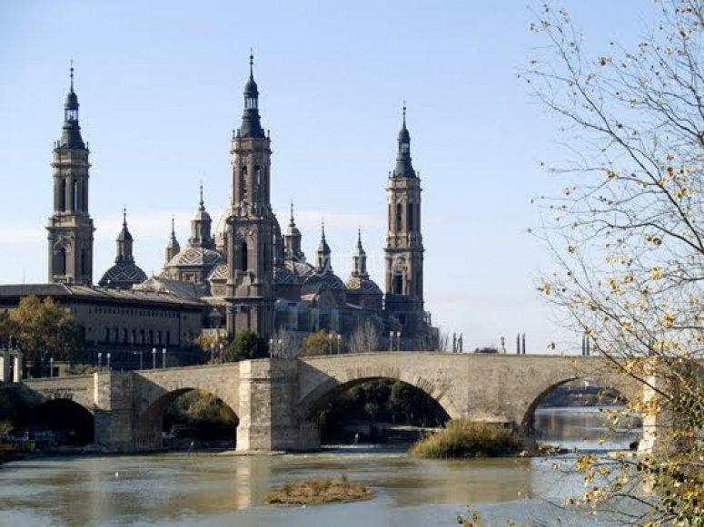 La basilica y el rio Ebro