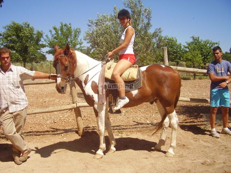 montados en el caballo
