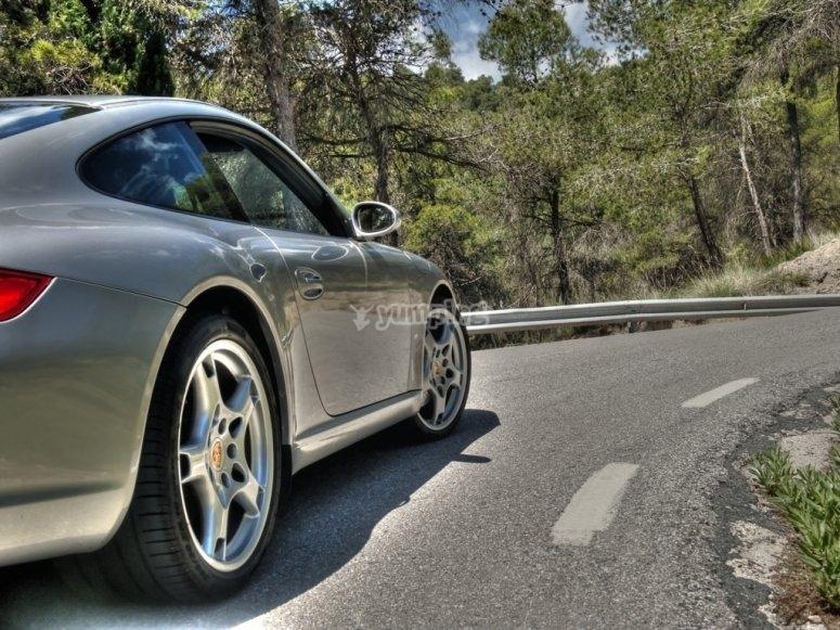 Montando en Porsche