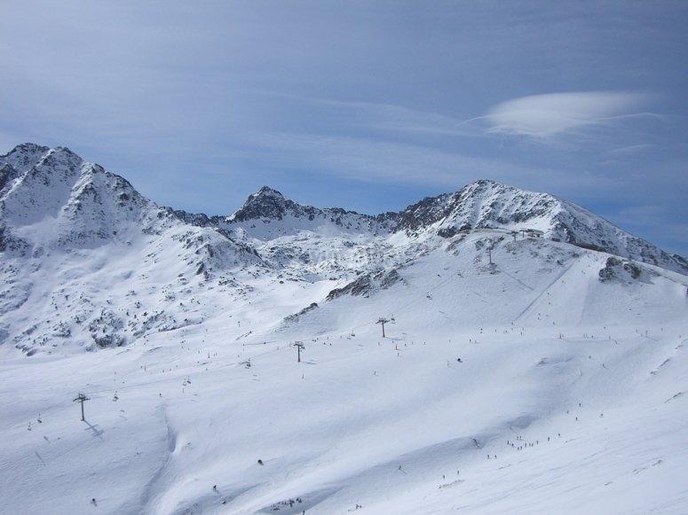 Paisaje nevado en Grandvalira
