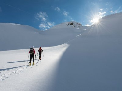 Pyrenees Heliski Raquetas de Nieve