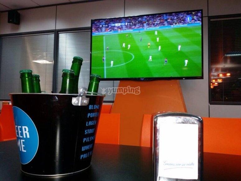 Qui puoi anche rilassarti e guardare il calcio