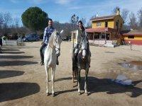 En el centro hípico sobre dos de nuestros caballos