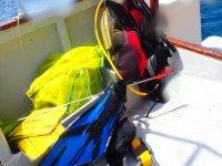 Material de pesca a bordo de la embarcación