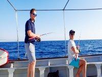 Amici nel giorno di pesca