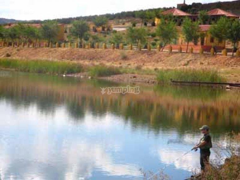 Pescando en el pantano de Carboneras Pesca