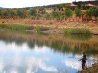 Pescando en el pantano de Carboneras