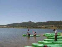 Carboneras水库的独木舟