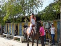Paseo a caballo y partida de paintball en Gandía