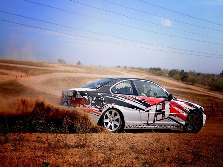 Auto da rally di lucidatura