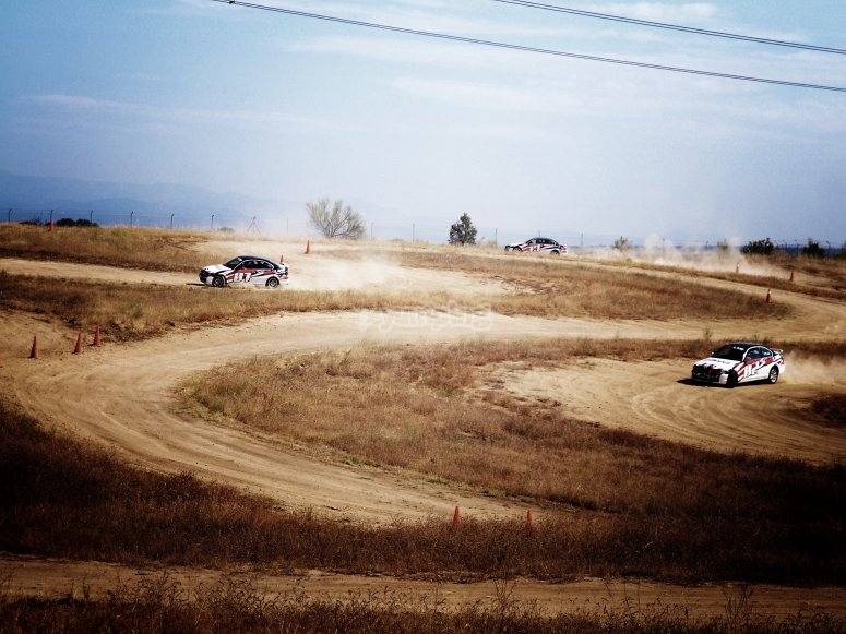 Vehiculos en el circuito de tierra