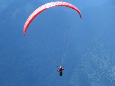 SierradeLíjar的高级滑翔伞飞行